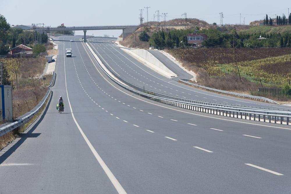Cycling Turkey D20 road to Istanbul