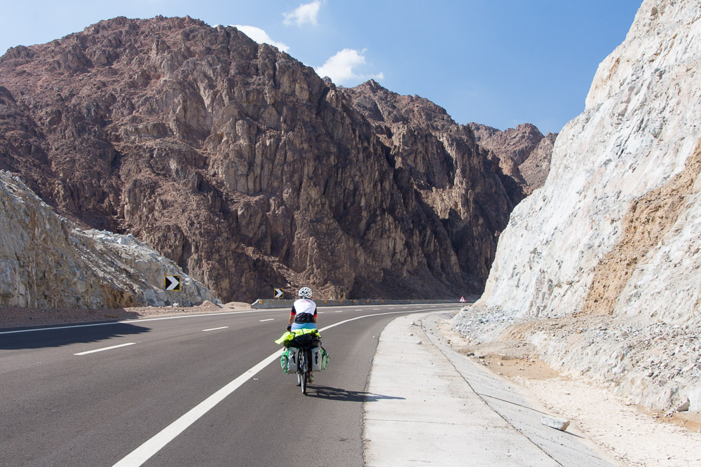 Cycling the Safaga to Qena Road in Egypt